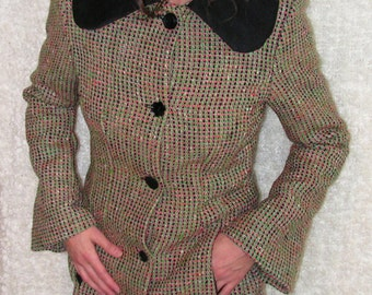 "Multicolored and black wool coat, curved and ""Claudine"" collar.. 7313"