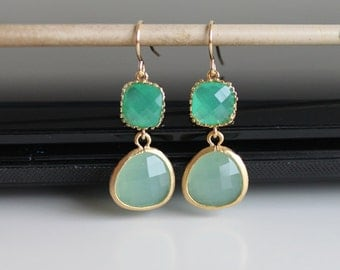 Frosted mint green opal crystal earrings, green and blue opal glass earrings,  long dangle earrings, bridesmaid gifts. Wedding jewelry.