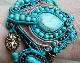 Marrakech. Handmade soutache bracelet. Vegan friendly.