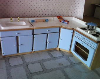 Dolls house kitchen Cabinets set  in wood and doorsin chose of colour dollhouse  miniure 1 12th scale
