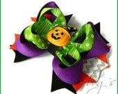 Halloween pumpkin witch bow. Chevron stacked boutique bow.