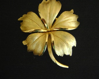 Vintage 1960's Trifari  Brushed Gold Tone Brooch