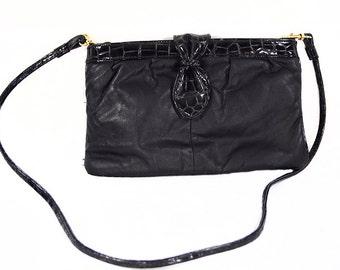 10 DOLLAR SALE---Vintage 80's Black Leather & Vinyl Shoulder Crossbody Purse