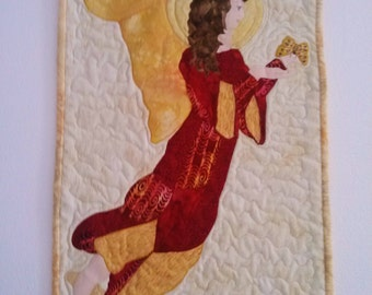 ANGEL Handmade WALL HANGING   Wings Of An Angel  Signed by Quilter