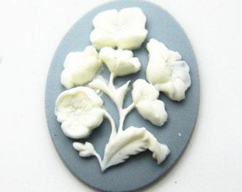 6 pcs of resin  flower cabochon 30x40mm-cream blue