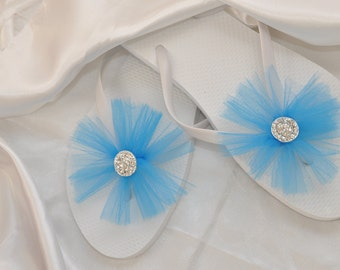 SALE!! Custom Wedding RHINESTONE Flip Flops, BRIDESMAID Flip Flops, Simple & Elegant Bling Tulle Flip Flops, Bridal Gift, Weddings