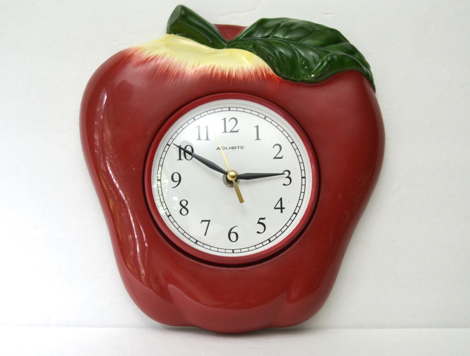 Red Apple Ceramic Wall Clock Large Acu Rite Battery Operated