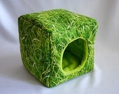 cosy cuddle cube for guinea pigs (grass/lime green)