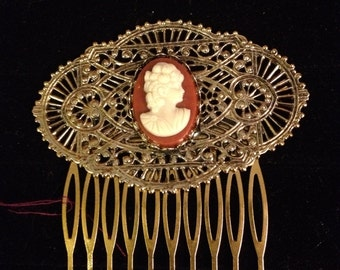 Large gold/ bronze fillagry cameo hair comb