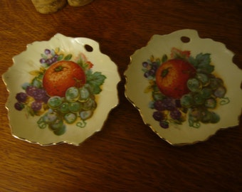 Vintage Hand Painted  Set of Two OCCUPIED JAPAN Decorative Plates for Wall or Table Fruit Design