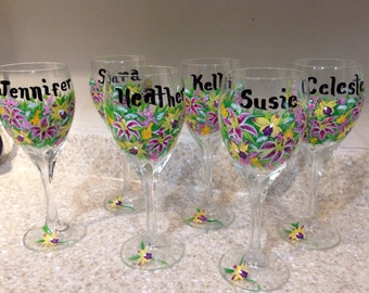 Wedding party wine glasses. Toasting glasses for your bridal party. Personalized gifts for your bridal party. Wedding party gifts.