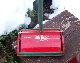 Vintage 1950's Bissell's Little Queen Childrens Toy Carpet Sweeper