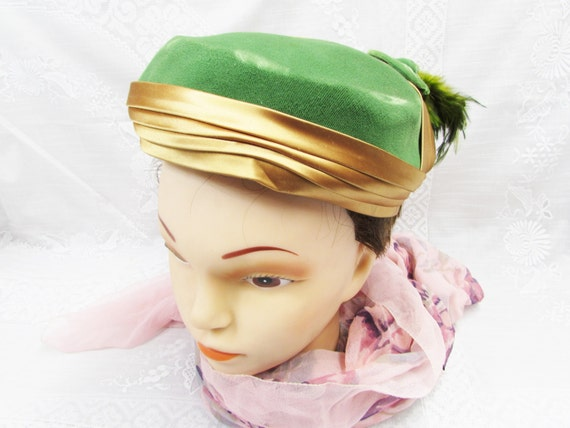 Vintage Cocktail Hat Green and Gold Ladies Velvet Satin Feather Hat