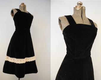 Vintage 1970s Dress / 1950s Summer Dress / Black Velvet Dress / 1950s Style Dress / 70s Small Boho Dress