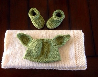 Yoda newborn set. Hat, blanket and booties. Baby Star Wars