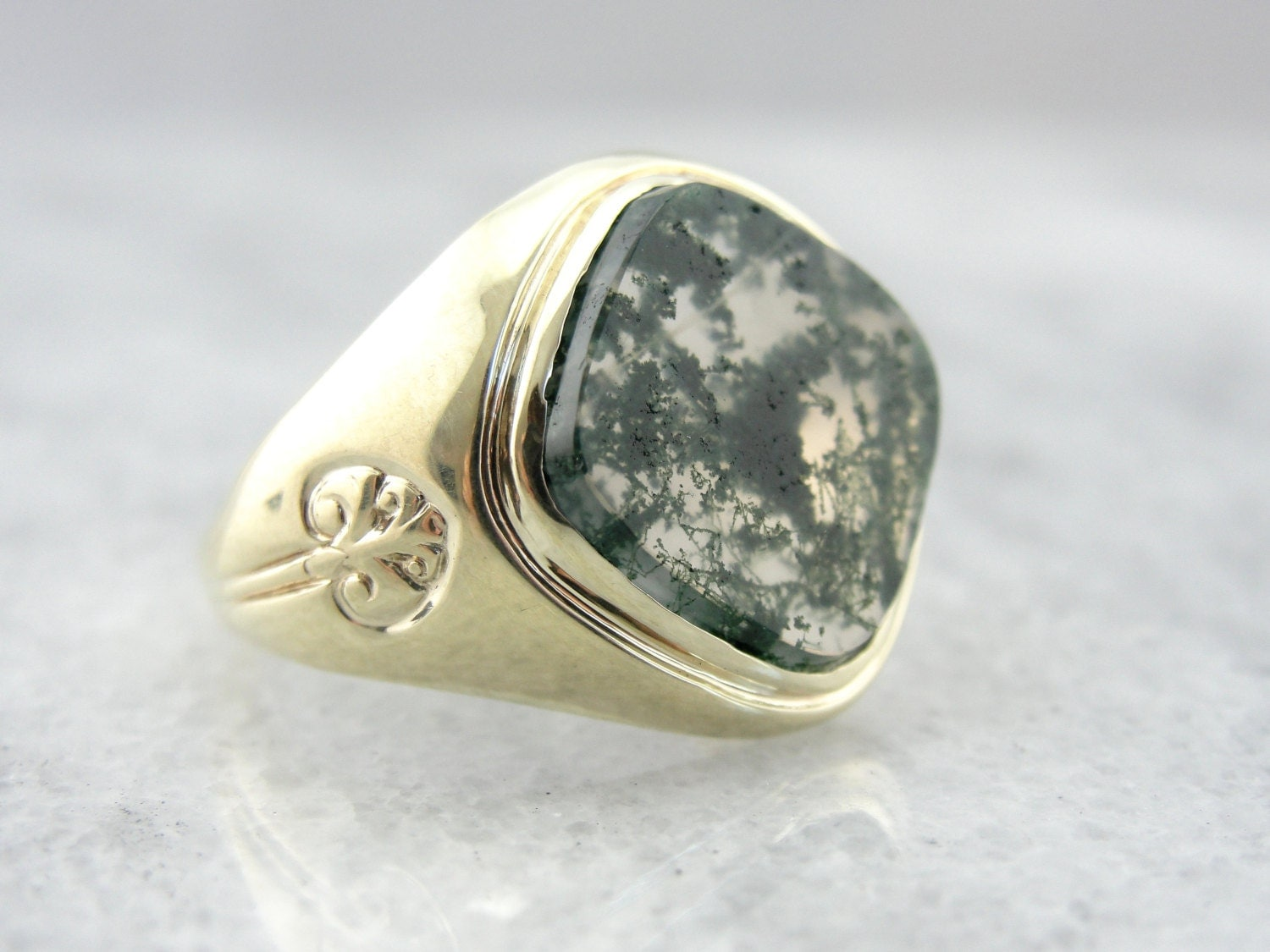 Golden Moss Agate: RESERVED Moss Agate And Green Gold Vintage Ring For Man Or