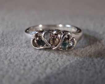 vintage sterling silver fashion ring with round blue topaz, citrine and sappire stones set inside hearts, size 7            M