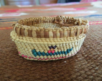 Vintage Native American Makah Indian Woven Miniature Basket, Canoe and Paddler