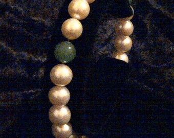 Cultured freshwater pearl stretch bracelet