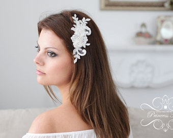 Vintage Bridal Hair Comb, Wedding Headpiece with Beaded Lace, Pearls in Ivory / Silver