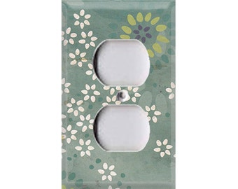 Boardwalk Collection - Flowers Outlet Cover