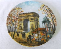 Louis Dali: L'Arc de Triomphe (Arch of Triumph) Paris. LIMOGES, France. French porcelain plate / wall plate. Collector's item. VINTAGE