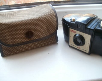 Vintage Kodak Brownie 127 Camera Bakelite with original case 1950's