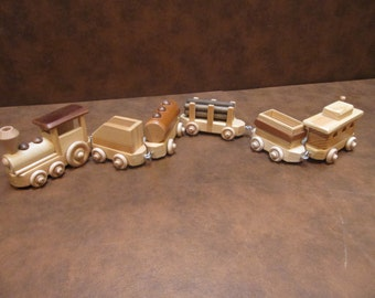 Handmade 6-Car Wooden Toy Train Set (Small Train)