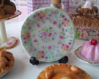 Dolls House miniature 'Floral green' Ceramic Plate