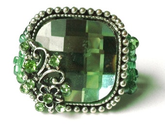 Emerald Green & Flower Ring