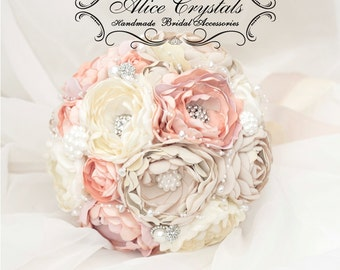 Brooch bouquet. Shabby Chic bouquet. cream brulee, peach, ivory. Pearl bouquet.