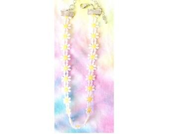 Small Daisy Choker - Grunge Choker - Daisy Necklace - 90's Style Choker - Summer Choker - Flower Choker