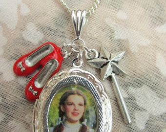 Wizard of Oz Dorothy Charms Locket