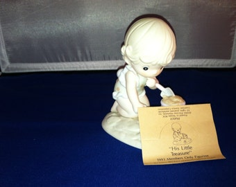 His Little Treasure, Precious Moments Figurine, Small boy playing in sand