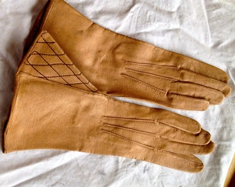 Victorian early '900 kid leather tan o biscuit color gloves