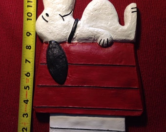 Snoopy chalk ware wall hanging