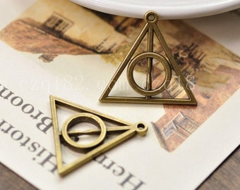 Bronze Jewelry-30 pcs   antiqued bronze hallows Charm Pendants triangle  with circular pendant