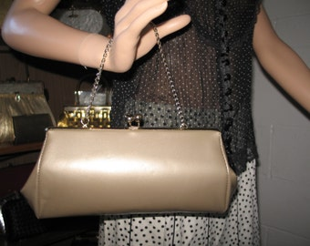 FREE SHIPPING! W-1-4***1950's Beige/sand gold patent convertible clutch/handbag-Cuter Than Crap!