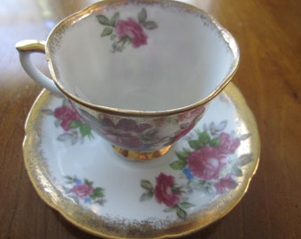 Teacup and Saucer, Vintage Napco with Cabbage Roses and Gold Speckle, Original Foil.