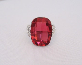 Vintage Jewelry Silver-Tone Dark Pink & White Rhinestone Ladies Ring Size 8