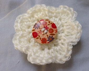 White Pin, Flower Pin, White Brooch, Flower Brooch, White Flower Brooch, Yarn Brooch, White Yarn Brooch, Wool Brooch, Flower Jewelry