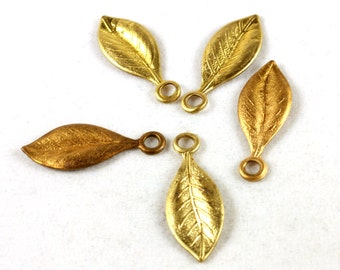 4x Brass Textured Leaf Charms - M056