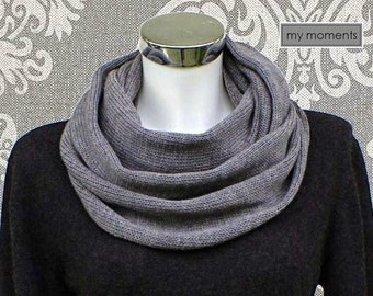 CIRCLE SCARF / SNOOD Merino medium gray melange