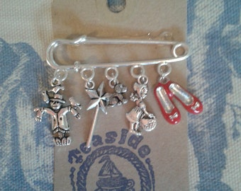Wizard of Oz Silver link Brooch made by Teaside of Broadstairs