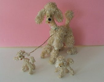 ADORABLE Vintage 1950s White Loopy Silky Rayon Toy POODLE DOGS Mother & Puppies