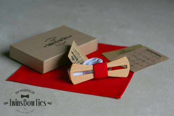 Mens wooden bow tie Fresh Line Red + pocket square. Wood and Fabric. 100% hand made. Wood accessories.