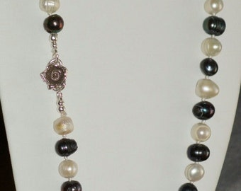 Ref.061/ ~ SALE~ Hand knotted black and white freshwater pearl silver necklace.