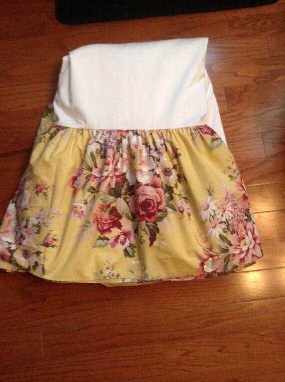 ralph lauren brooke full size bed skirt dust ruffle 15. Black Bedroom Furniture Sets. Home Design Ideas