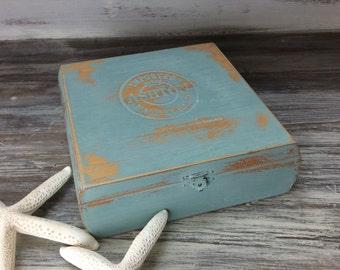 RUSTIC CIGAR BOX Trinket Box Beach Cottage Box Wood Cigar Box Tea Box Distressed Chic Home And Storage