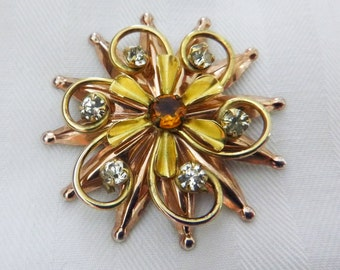 1940s Retro gold plate on sterling rhinestone floral star burst brooch